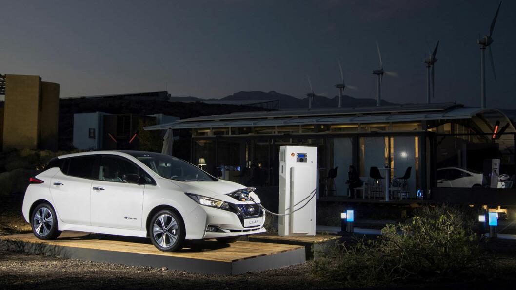 SNART RIKTIG: Fortsatt spiller det ingen rolle for strømprisen du betaler om du lader elbiler tidlig eller sent. Men i fremtiden kan det være billigere når færrest mulig andre gjør det. Foto: Nissan
