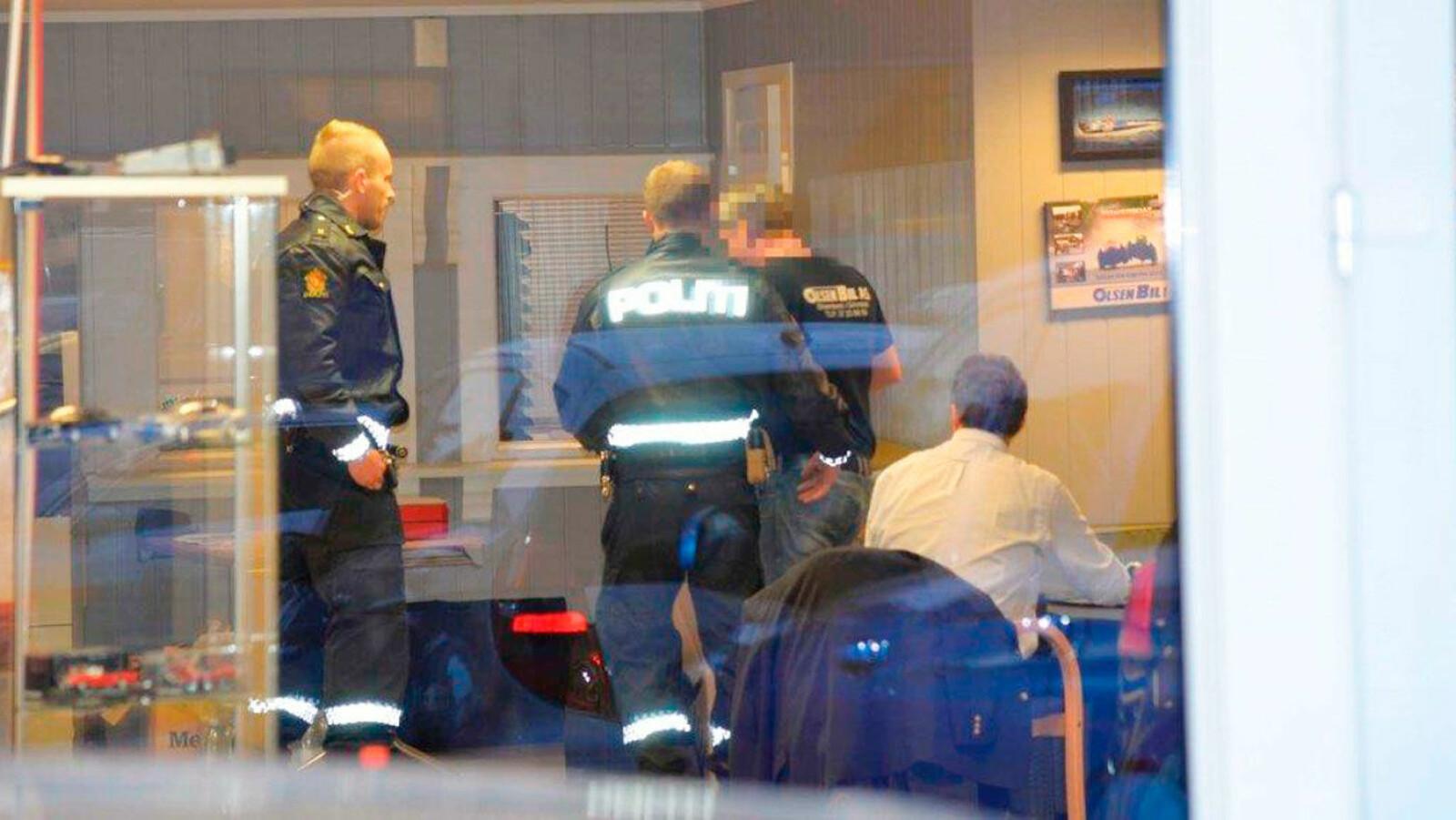 PÅGREPET: Mens han satt i møte med bobestyrer Kai Knudsen ble Geir Egil Olsen arrestert av politiet.
