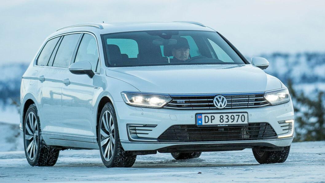 DEN NORSKE BIL: Dette er den typiske norske bilen, en godt brukt VW Passat.