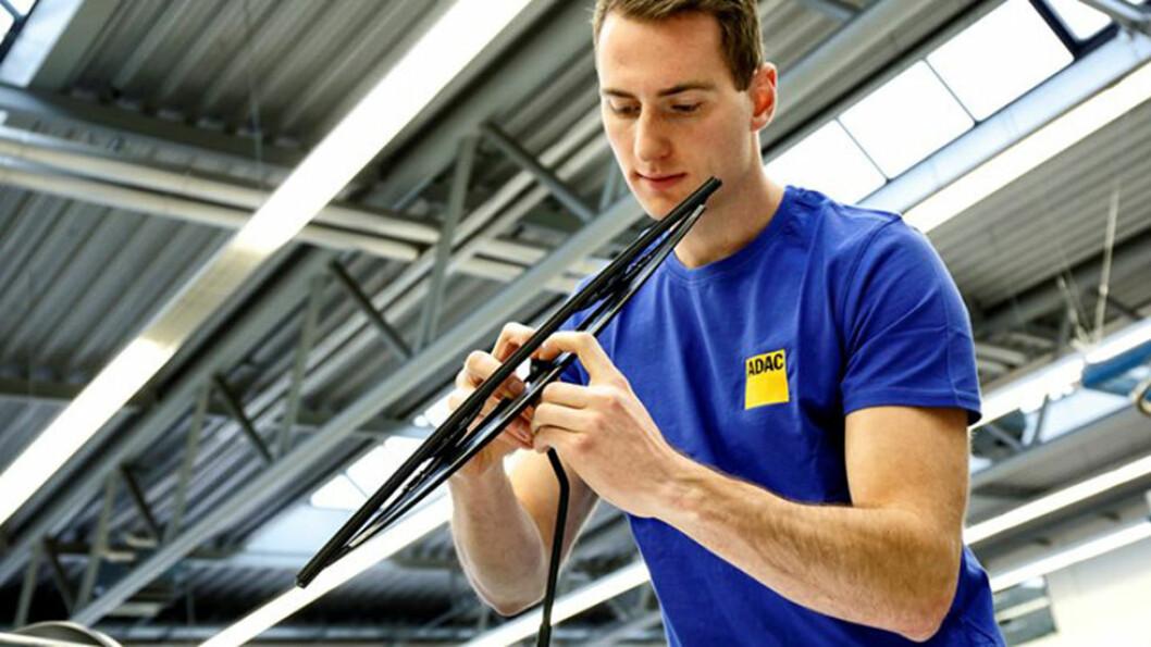 MEST FOR PENGENE: NAF har testet både dyre og rimelige vindusviskere. Foto: ADAC