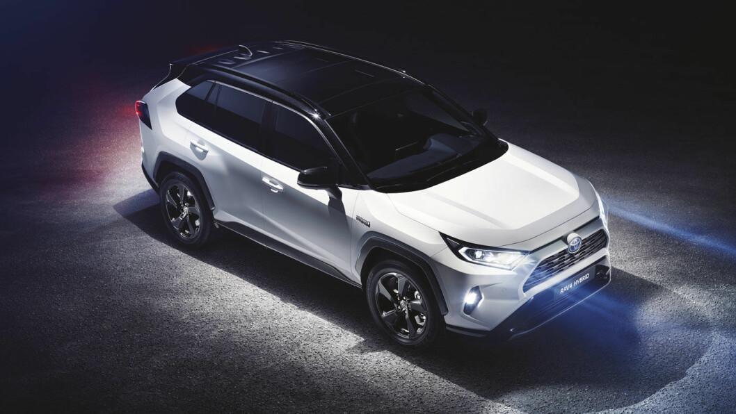 NESTE BESTSELGER? Toyota ruller ut femte generasjon av sin SUV-bestselger RAV4. Bilen kommer til Norge først i 2019. Foto: Toyota