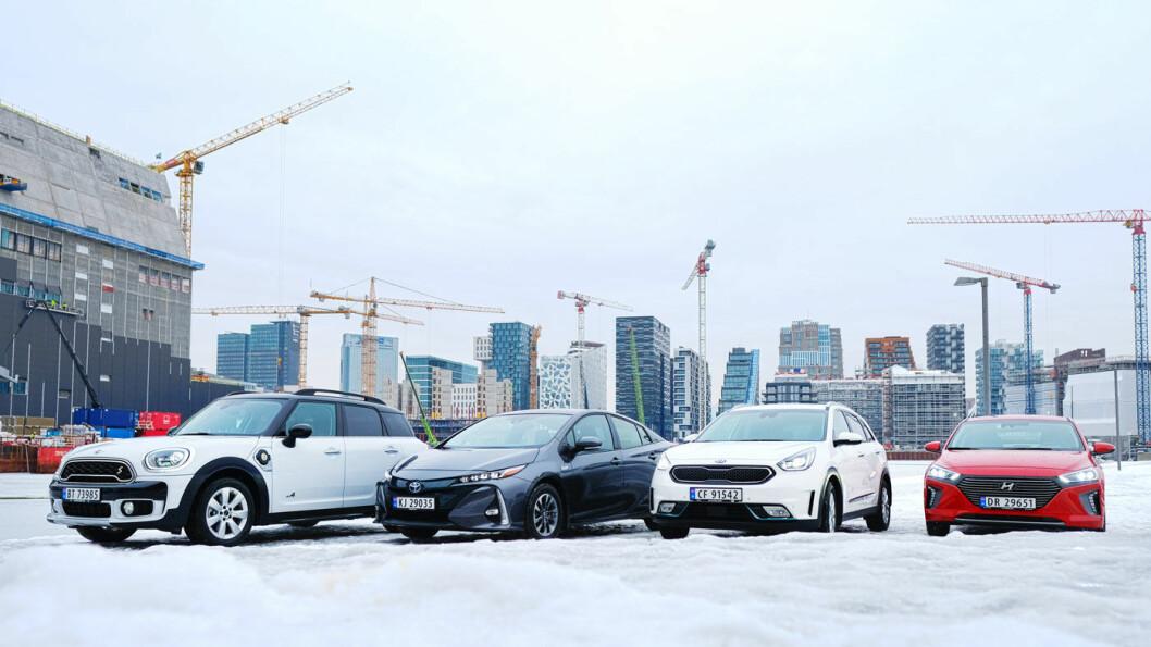 MOTOR-TEST: Vi har testet Mini Countryman (fra venstre), Toyota Prius, Kia Niro og Hyundai Ioniq. Foto: Jon Terje Hellgren Hansen