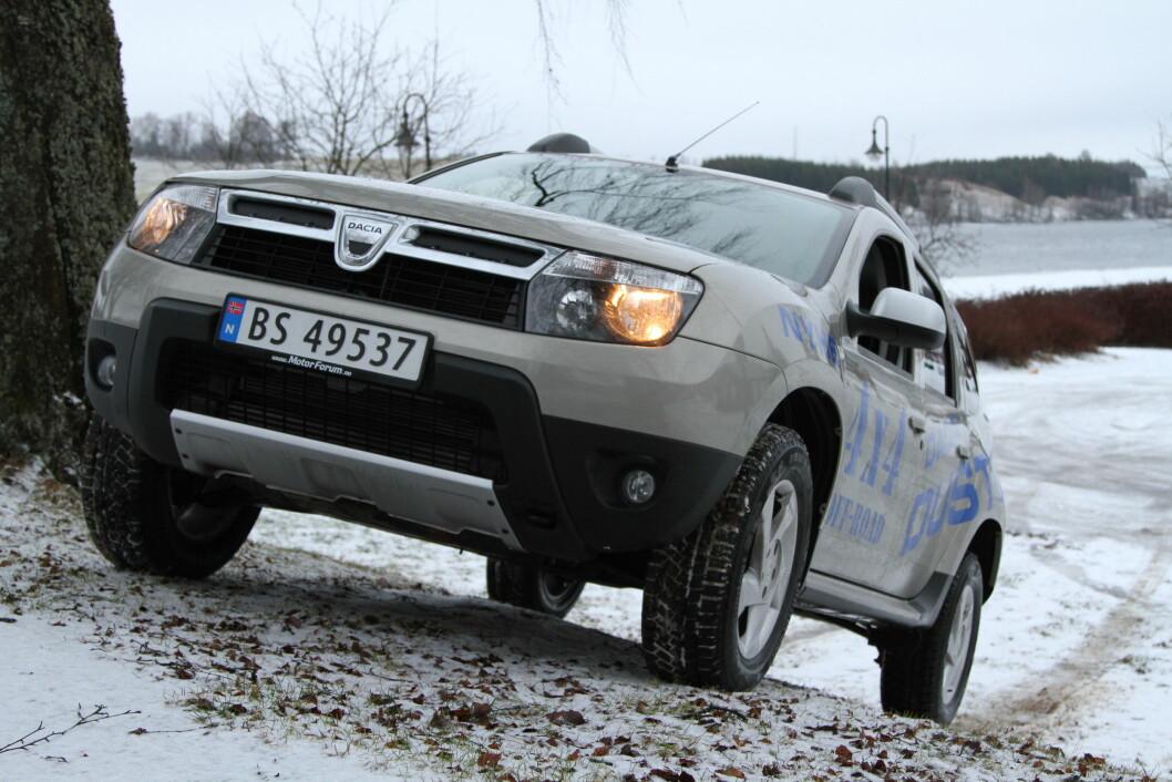 BESTE KJØP: Dacia Duster vinner kanskje ikke på komfort, men den er billig, robust og har de samme garantiene som konkurrentene. Årets beste bilkjøp? Foto: Rune Korsvoll