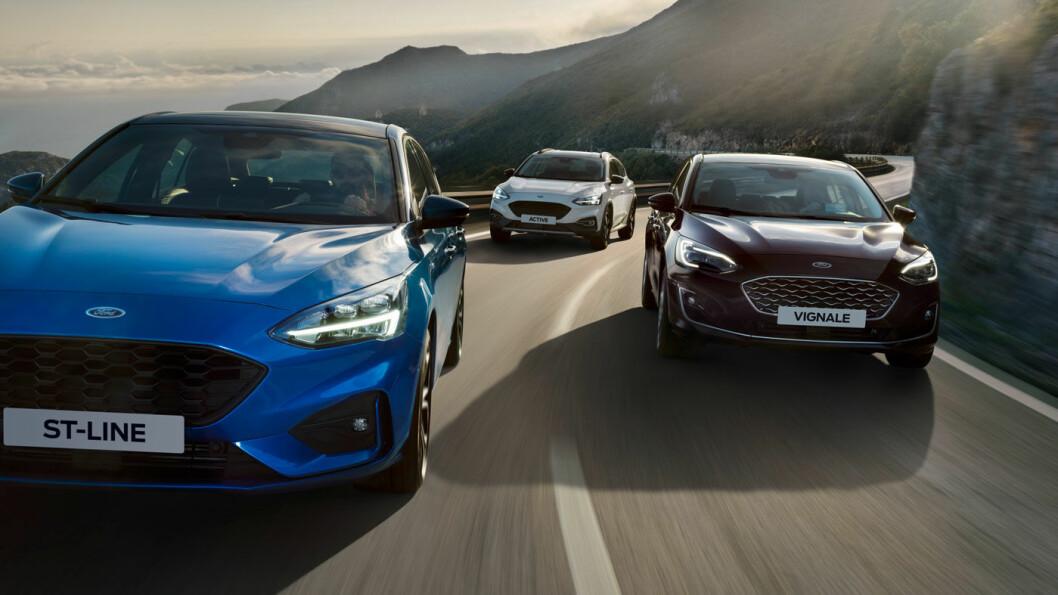 TILBAKE I FOCUS: Ford lanserer en kraftig forbedret Focus i fire uliek varianter. Her ved tre av dem: ST-Line, Active og Vignale. Foto: Ford Motor