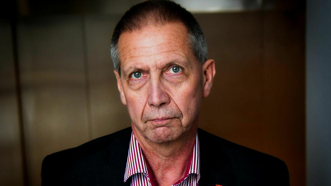 FOTEN NED: Vegdirektør Terje Moe Gustavsen svartelister Kopervik-bedriften KHV på grunn av blant annet underbetaling. Foto: Knut Opeide