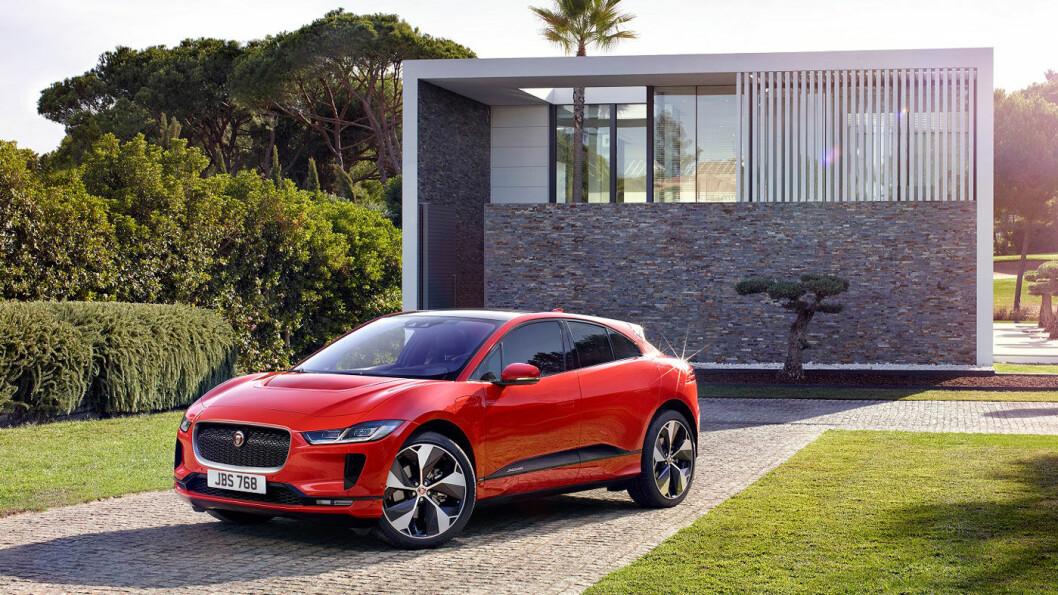 POPULÆRE: Jaguar har passert 1000 solgte I-PACE, tre måneder før elbilen kommer i butikkene. Foto: Jaguar Land Rover