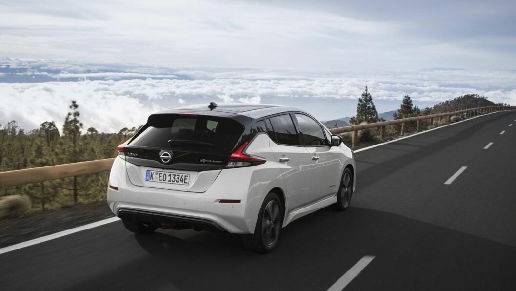 SLÅR UT: Her er hovedforklaringen på oppgangen i varekonsumindeksen til SSB i mars, den nye elbilfavoritten Nissan Leaf. Foto: Nissan Motor