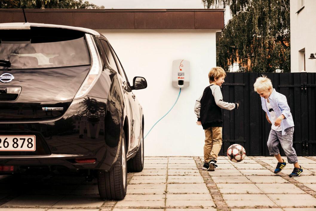 LAD I VEI: E.ON, et av Europas største energiselskap, kommer til Norge med et tilbud hvor du kan lade så mye du vil til en fast, månedlig pris. Foto: E.ON