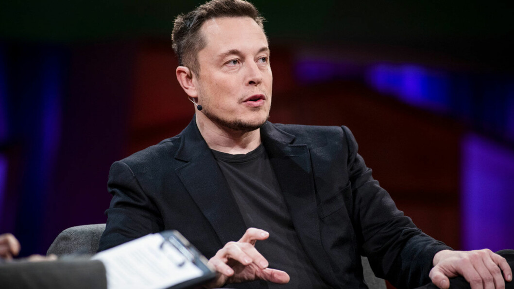 BEDRING: Elon Musk og resten av Tesla-staben produserer nå over 2200 Model 3-biler i uka. Foto: Marla Aufmuth/TED