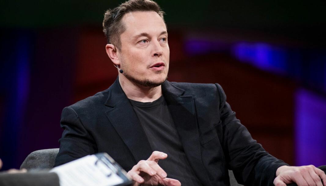 OVERKOM VANSKELIGHETENE: Om Tesla-sjefen mener aksjekursen er vel høy, er han likevel trygg på fremtiden.