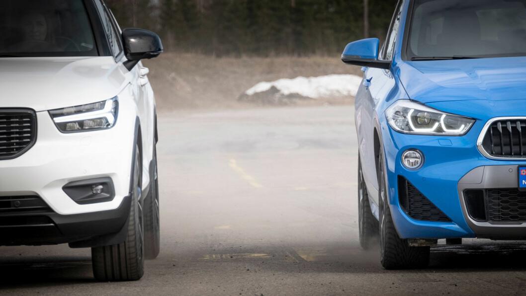 ET HAV AV FORSKJELL: Vi testet to nye SUV'er i samme størrelse og med omtrent samme spesifikasjoner, en med sommerdekk og en med priggfrie vinterdekk. I en bråbrems fra 80 kmt/t skilte det i gjennomsnitt sju meter mellom dem. Foto: Jon Terje Hellgren Hansen