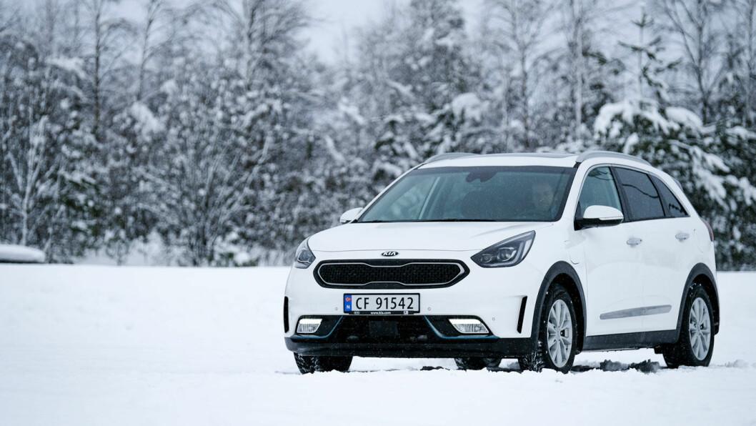GOD I TEST: Kias plug-in-bil, Optima og Niro, scorer høyt på rekkevidde i nye tester. Foto: Jon Terje Hellgren Hansen