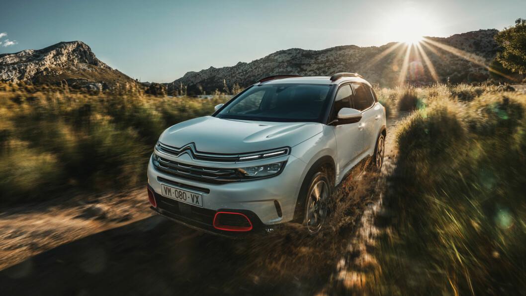 AIRCROSS: Designmessig er Citroën tilbake på et spennende spor – også det i god tradisjon. Man må forholde seg aktivt til løsninger og vinkler og fargevalg. Man blir aldri likegyldig.
