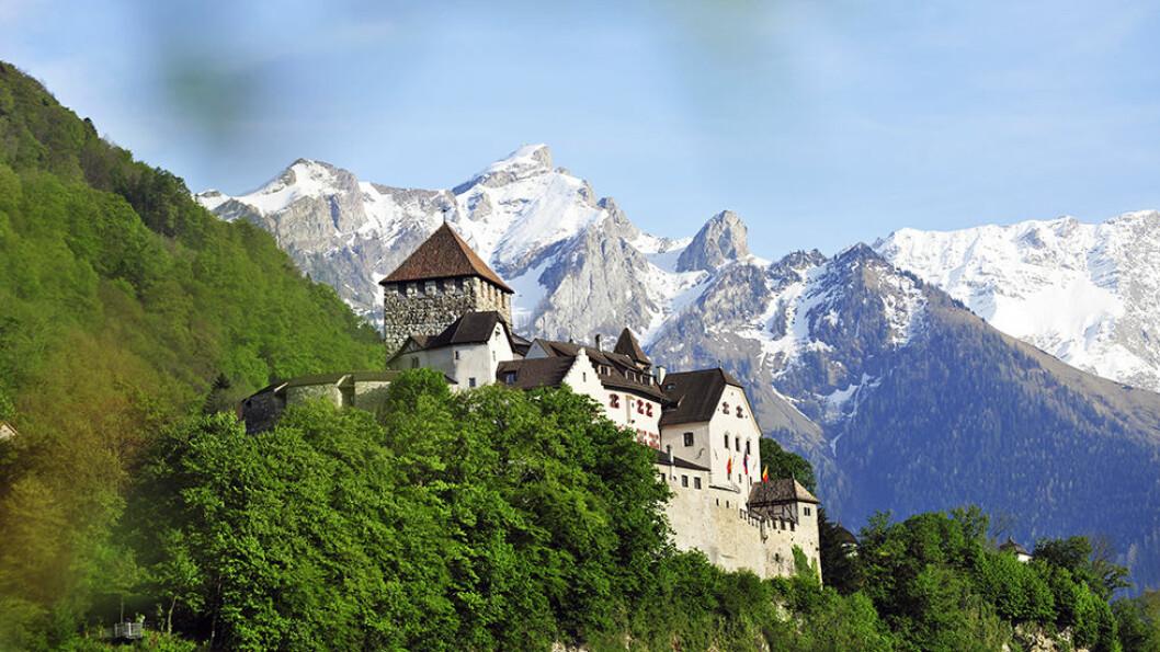 I FYRSTENS VINKJELLER: I Vaduz, hovedstaden i Liechtenstein, besøker vi vinkjellerne til fyrsten.