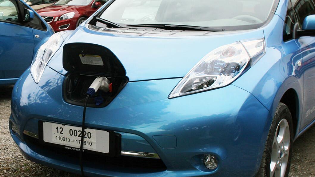 BATTERIGARANTI: Flere produsenter av elbiler gir opp til åtte års garanti på batteriet.