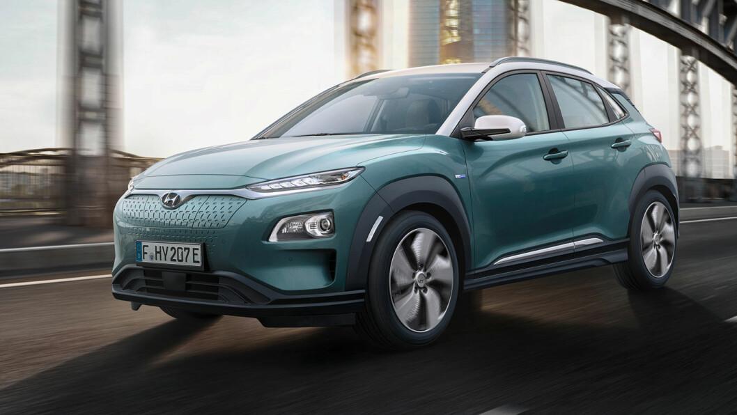 SOMMERHIT: Hyundai KONA Electric har nesten alt norske bilkjøpere drømmer om – SUV-størrelse og ladekabel, men ikke hengerfeste. Foto: Hyundai
