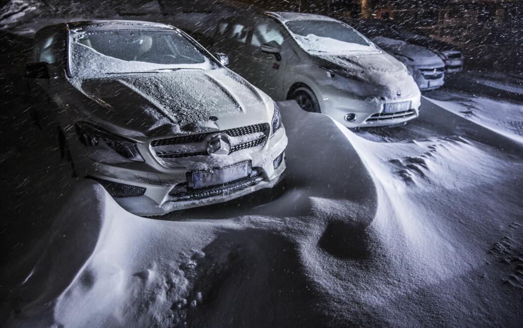 VINTERVEIEN: Kjøring på norske vinterveier er krevende og setter store krav til både bil og fører. Vi viser deg de beste bilene. Foto: MARKUS PENTIKÂINEN