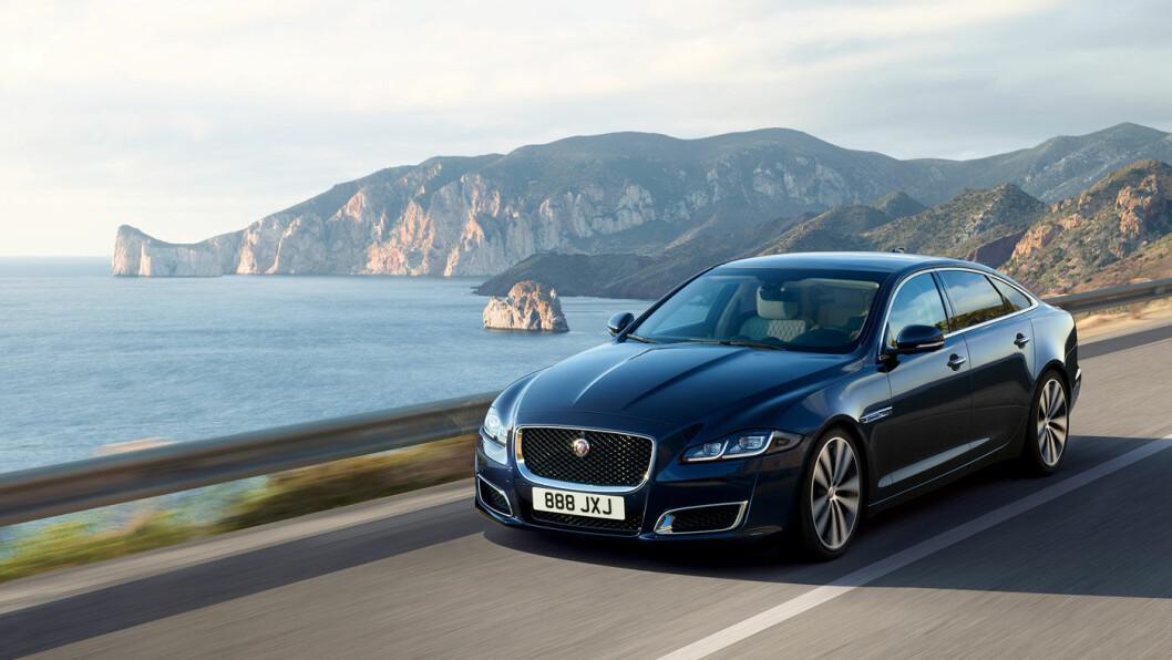 KONGEBIL: Jaguar XJ50, et ikon blant mange staselige Jaguar-modeller. Foto: Jaguar