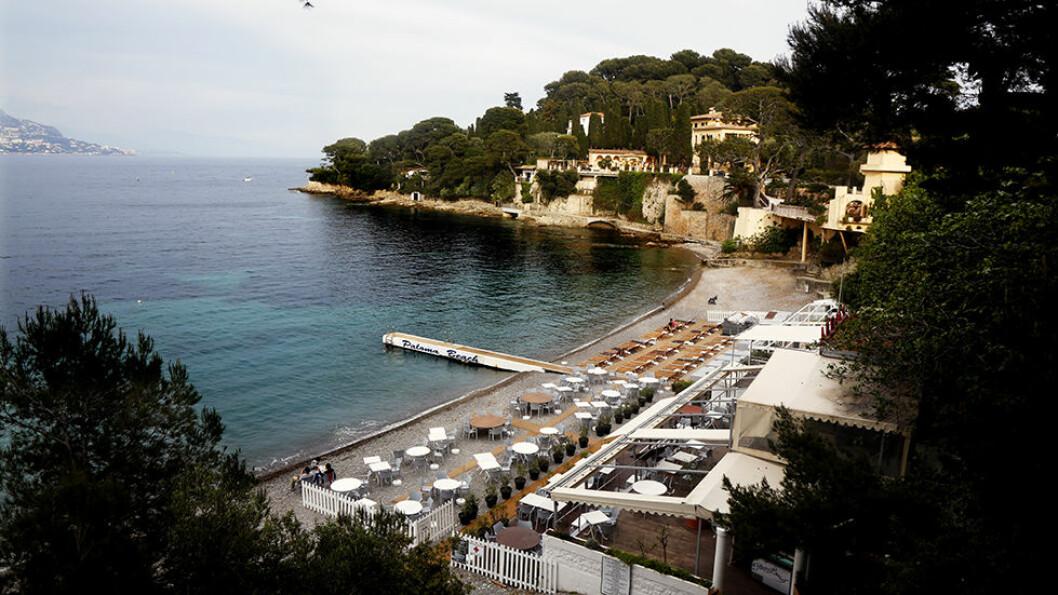 PALOMA BEACH:: På halvøya St.Jean Cap Ferrat like øst for Nice, er strandlivet roligere.