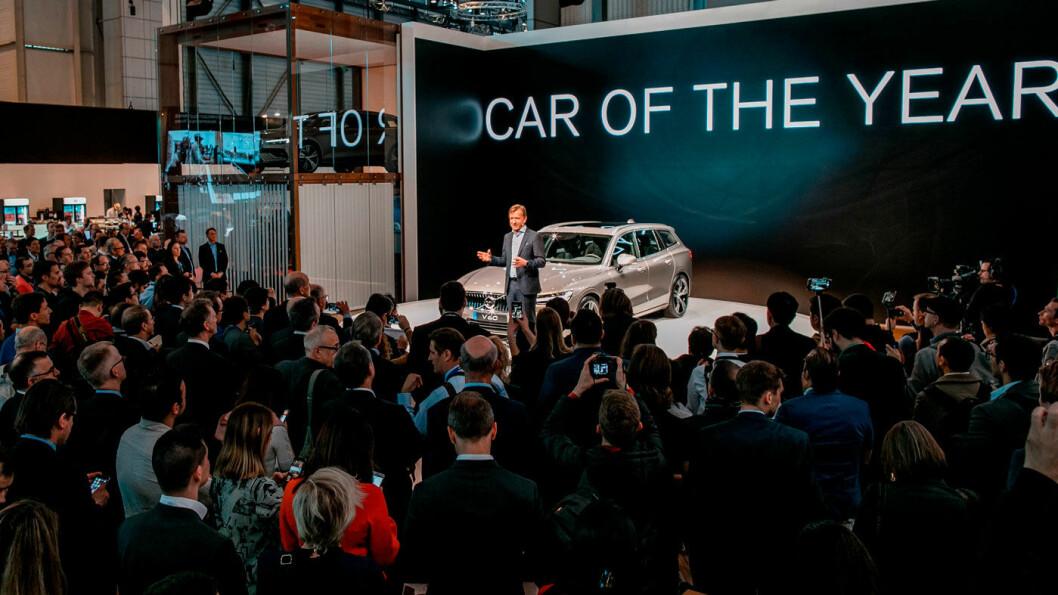 FARVEL, GENÈVE: Volvo-sjef Håkan Samuelsson i sentrum av oppmerksomheten på selskapets stand på Genève-utstillingen i vår, etter at XC40 ble kåret til Årets bil i Europa.