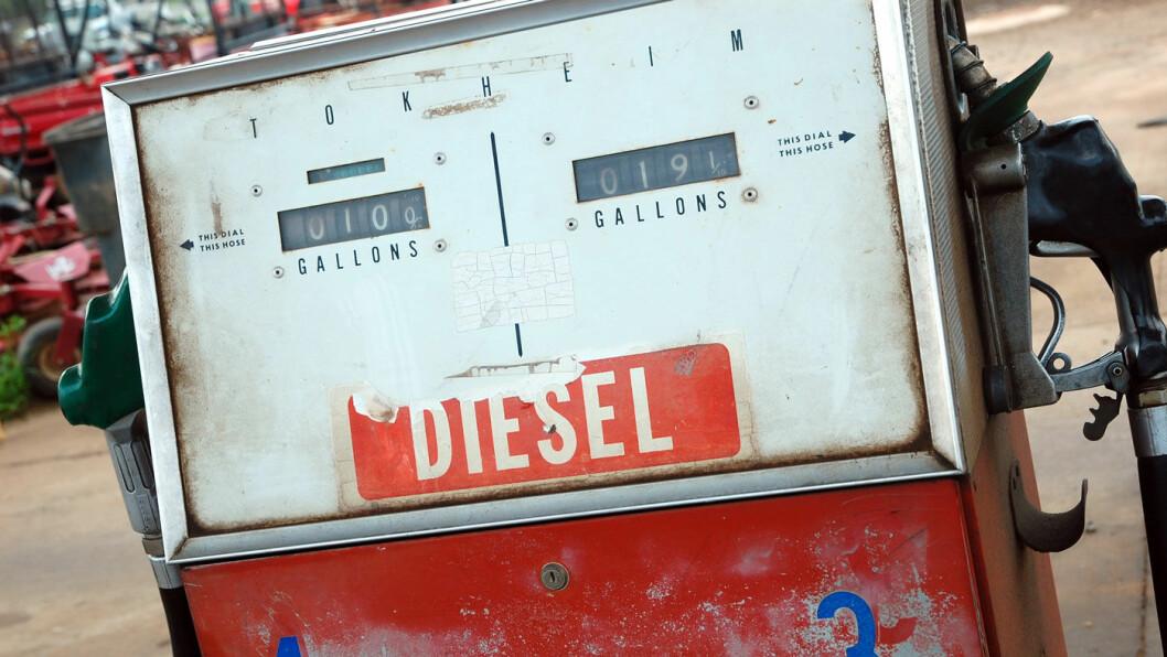 ALLE MANN TIL PUMPENE, PLEASE: Mazda tror på en fremtid for dieselmotoren, selv om den norske salgsstatistikken kan gi grunn til å tvile på evig liv for dieselbilene. Foto: Steve Snodgrass, Flickr