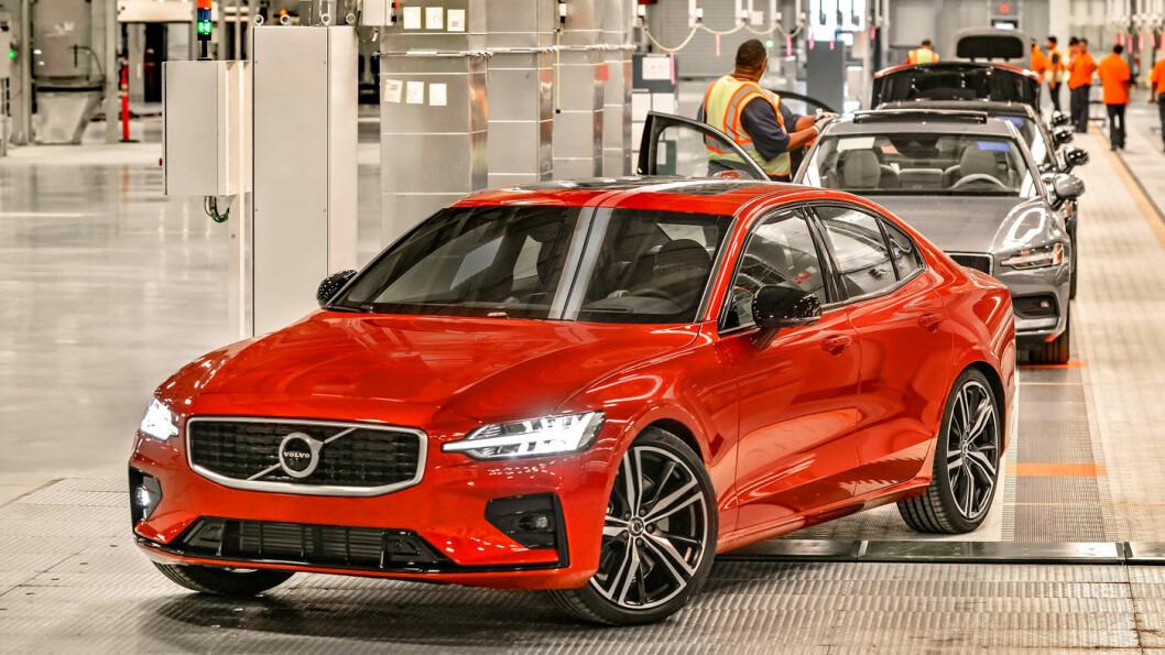 RETT FRA FABRIKKEN: S60 er første Volvo «made in USA», nærmere bestemt ved selskapets nye fabrikk i Charleston, South Carolina