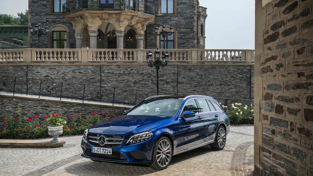 SMÅ ENDRINGER: Du skal være Mercedes-entusiast for å se endringene på den fornyede C-klasse. Heldigvis, vil mange si.