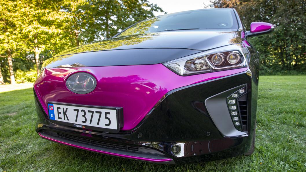 IKKE I TVIL: Leaseplan er klare på at det lønner seg økonomisk å kjøpe elbil. Men hva lønner seg for deg, ut fra ditt behov? Foto: Tom Hansen