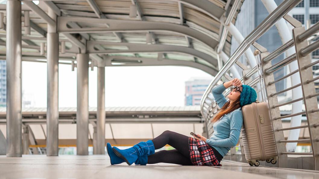 FOR SENT: Der gikk flyet eller fergen, og du er ikke med. I utgangspunktet er det ditt eget ansvar, men det finnes muligheter for at fly- eller fergeselskapet vil hjelpe deg. Foto: Shutterstock