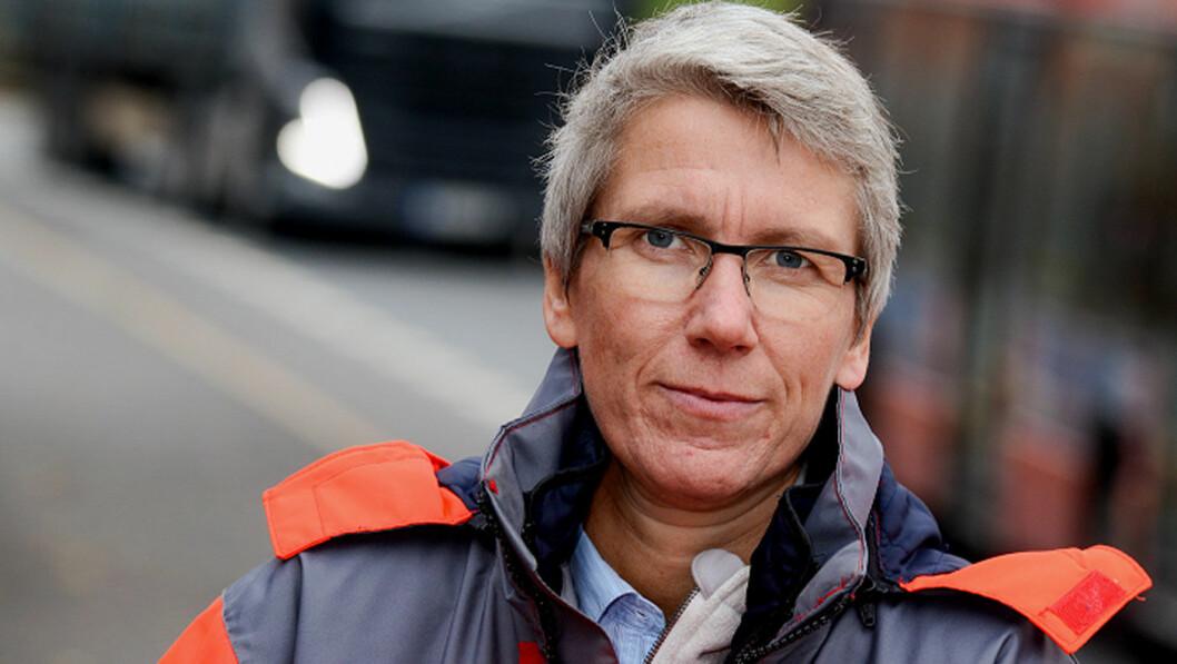 MINDRE FART: – For å redde flere på veiene må farten ned, sier avdelingsdirerktør Guro Ranes i Statens vegvesen. Foto: Knut Opeide