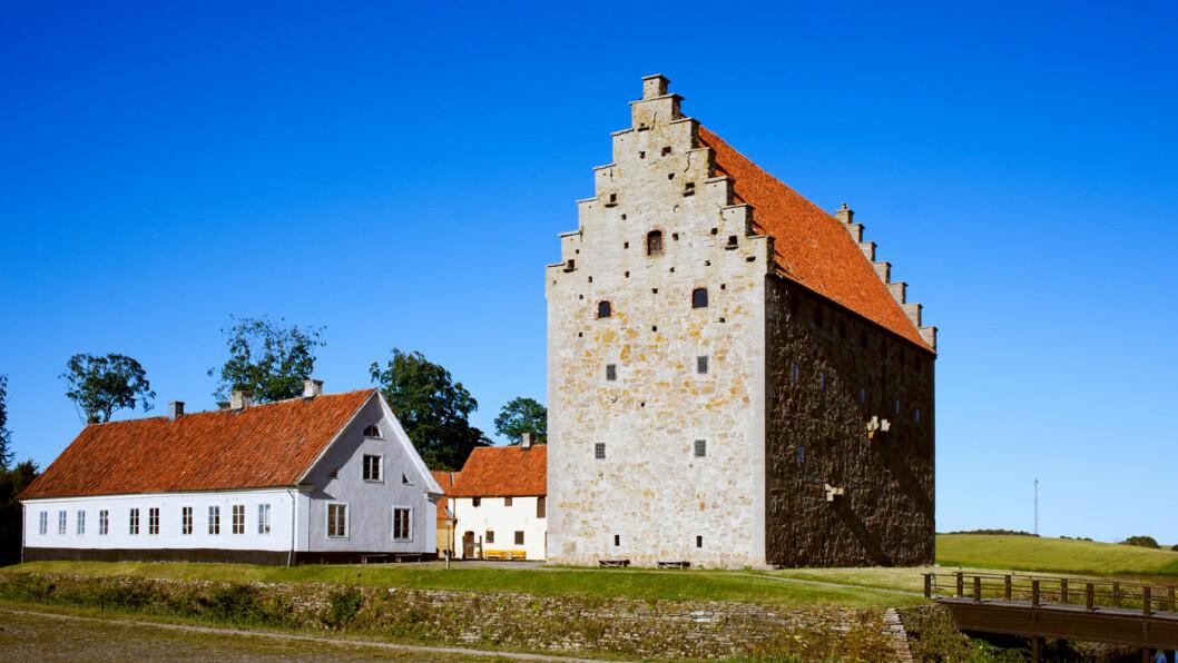 HISTORISK: Glimmingehus er ett av Sveriges best bevarte middelalderslott. Foto: Conny Fridh/imagebank.sweden.se