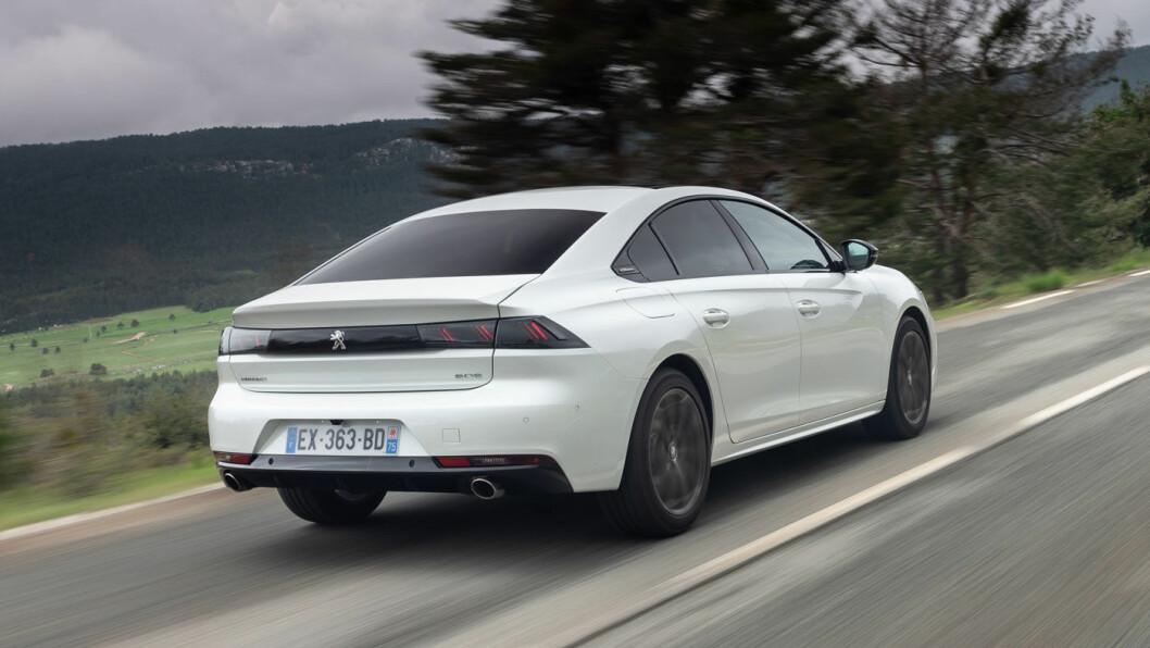 ELEGANT: Peugeot er opptatt av designet på 508, og den er blitt en av klassens lekreste biler.