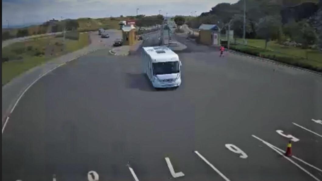 DIREKTEBILDER: Slik så det ut da Motor sjekket inn på kameraet på Mortavika ferjekai. Foto: Skjermdump av webkamera