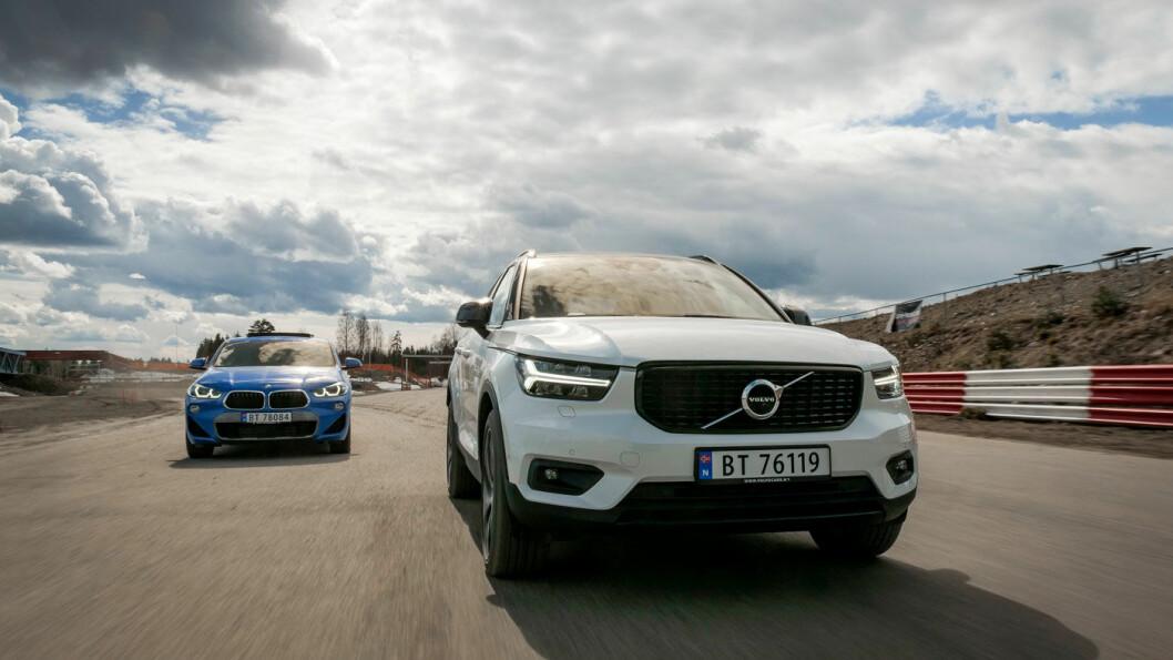 MYE LYD, MYE SJARM: Volvo XC40 bråker overraskende mye på grov asfalt, også med dekk som skulle tilsi et helt annet lydnivå. Foto: Jon Terje Hellgren Hansen