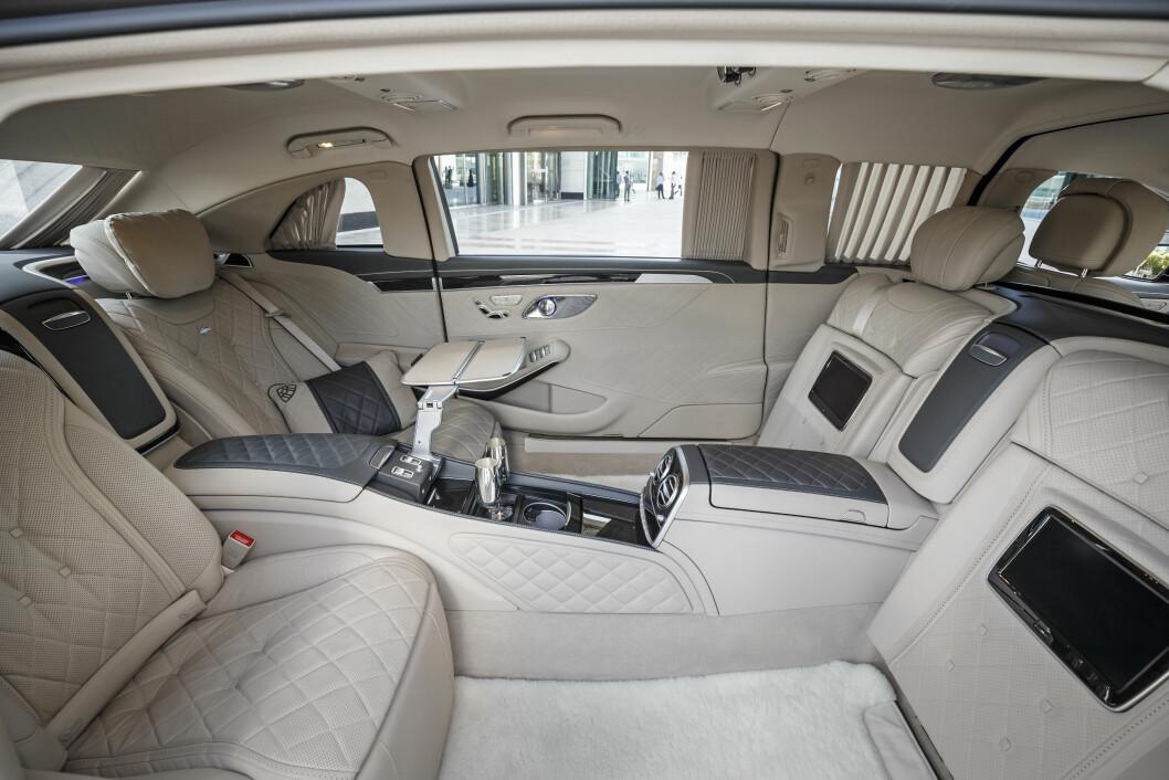MILLION-LUKSUS: Beisnplassen er god og luksusen på topp i Mercedes S Maybach Pullmann. Foto: Mercedes-Benz