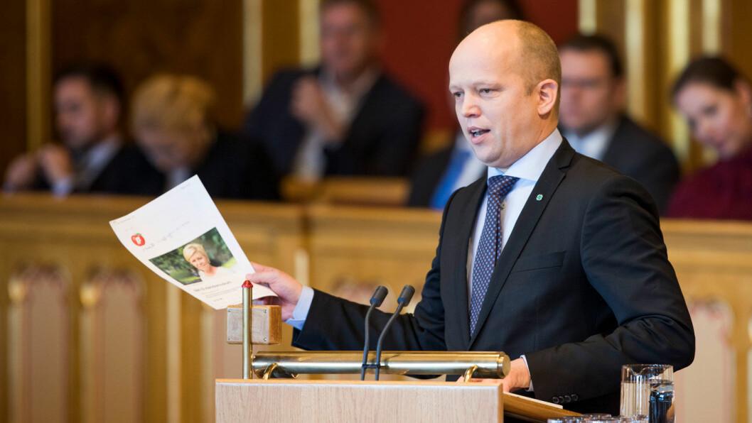 VIL HA LAVERE AVGIFTER: Sp-leder Trygve Slagsvold Vedum foreslår reduksjon i drivstoffavgiftene. Foto: Stortinget