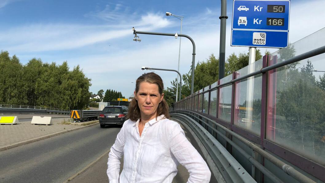 NAF-KRAV: – Politikerne må nå innse at de må finne andre måter å finansiere bypakkene på, utbygging av vei og kollektivtransport må i større grad dekkes av staten, sier NAFs kommunikasjonssjef Camilla Ryste.
