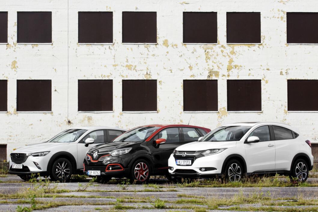 TØFFE TYPER: Selv om de ser ganske like ut, avslører Motors test at det er store forskjeller på Honda CR-V, Mazda CX-3 og Renault Captur. Foto: Nina Ruud