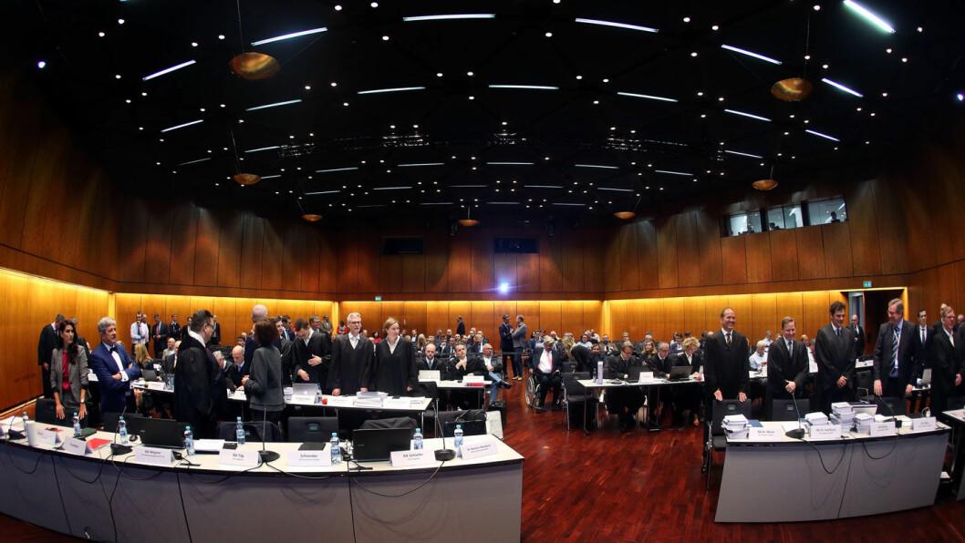 FULL SAL: Stadthalle i Braunschweig er arena for en av årets mest omtalte rettssaker i Tyskland, med det norske oljefondet som en av saksøkerne. Foto: AFP