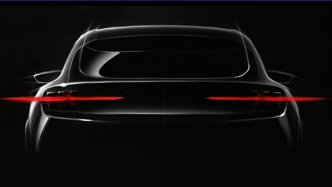 SPENNENDE: Ford har luftet bakenden på konsernets første store elbilsatsing. Den første av totalt 16 helelektriske modeller i løpet av 2022.