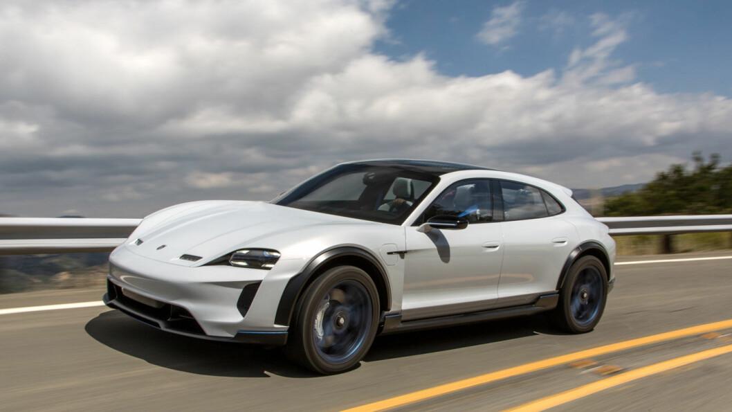 ELEKTRISK: Nye Porsche Mission E Cross Turismo ble vist fram på vårens bilutstilling i Geneve med tall i god Porsche-tradisjon: 600 hk, 0-100 km/t på 3,5 sekunder, 312 km/t i toppfart. Og 500 km rekkevidde per lading…
