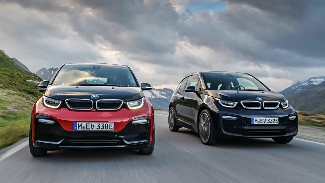 SPORTY UTGAVE: BMW elbil-bestselger i3 (til høyre) kommer nå i en kvikkere utgave som i3s. Foto: BMW