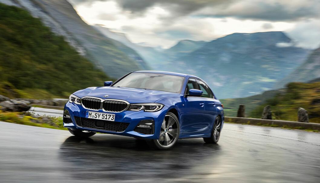 """<span class="""" font-weight-bold"""" data-lab-font_weight_desktop=""""font-weight-bold"""">NYKLASSISK:</span> BMW 3-serie er en svært viktig model for BMW som har fått legendestatus. Spesielt på bruktmarkedet er den svært etterspurt."""
