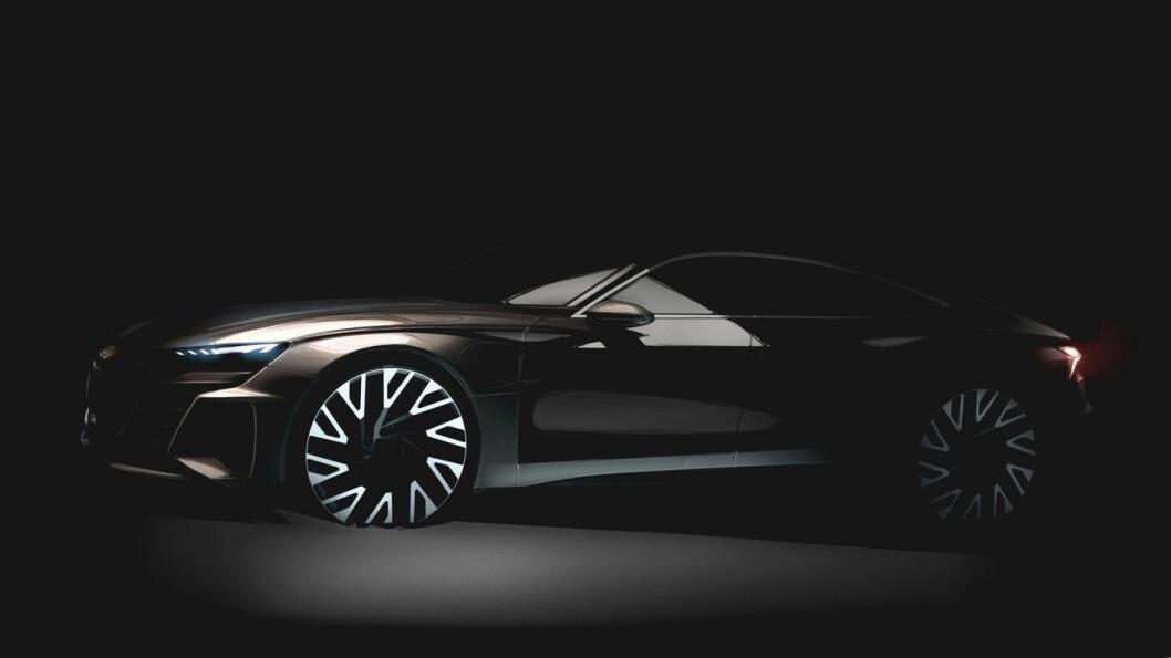 KOMMER SNART: Det er ikke mye Audi har vist ennå av sin Audi e-tron GT, men i november skal deres neste elbil vises på utstillingen i Los Angeles.