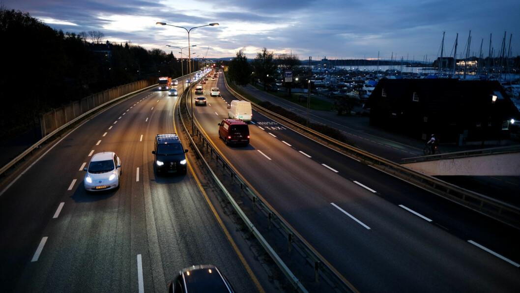 ADVARER: Stadig flere av oss velger leasing når vi skaffer oss ny bil. Foto: Jon Terje Hellgren Hansen