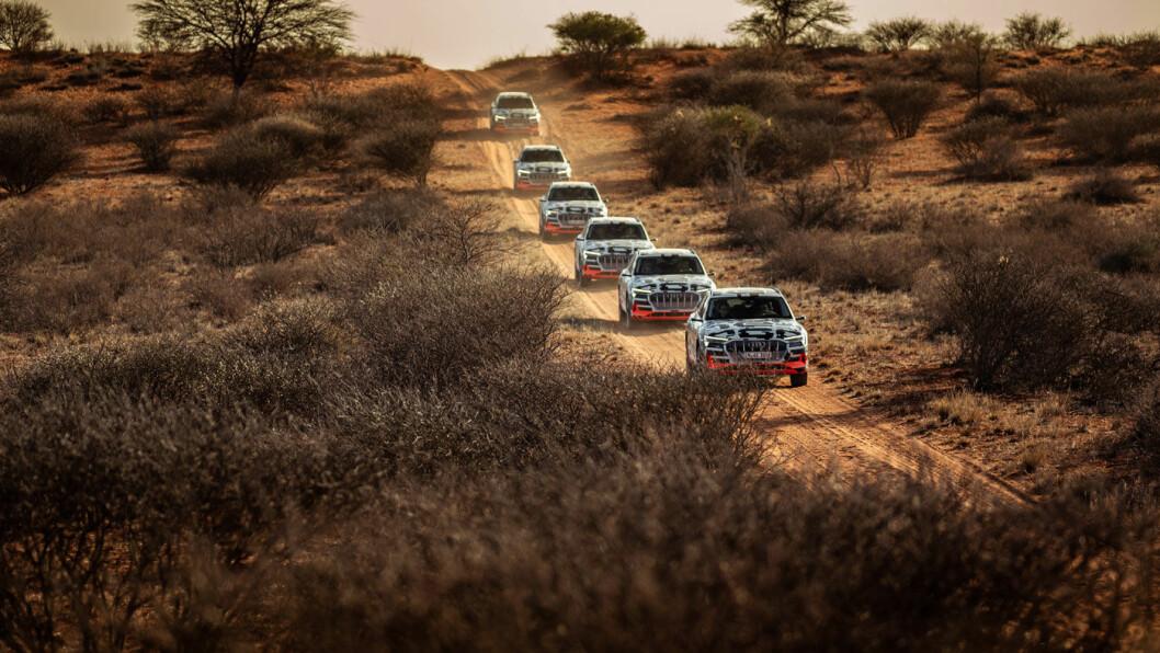 LANG VENTELISTE: Nordmenn venter i spenning på elektriske Audi e-tron, her fra fotografert under testkjøring i Namibia.