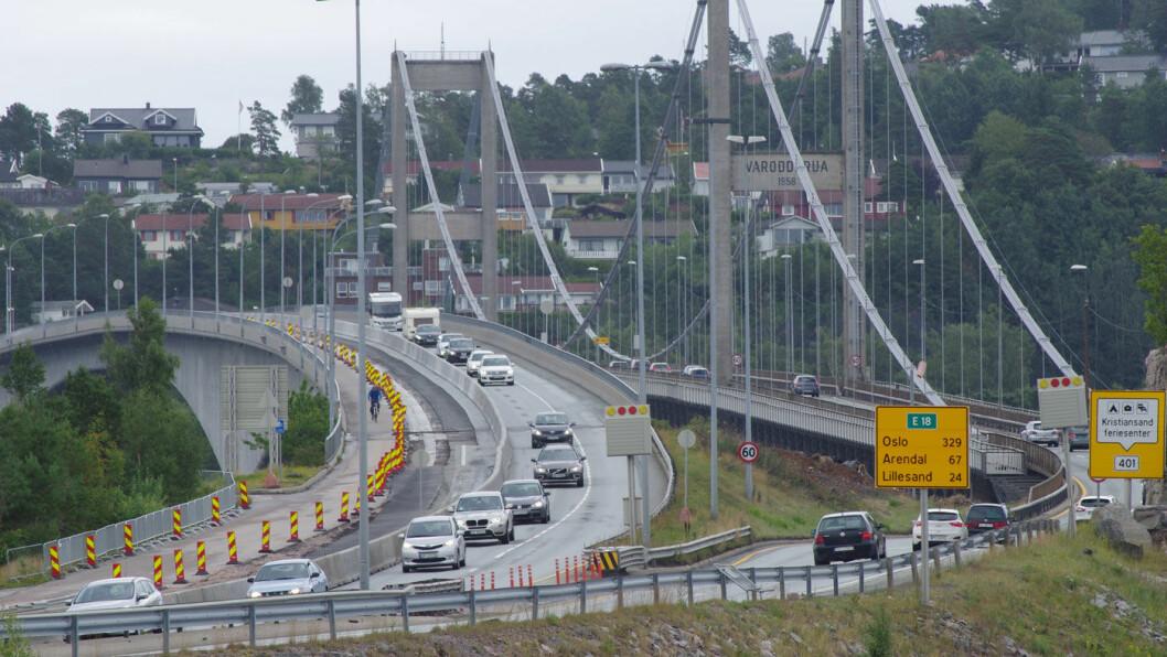 KRITIKK: Utvidelsen av Varoddbrua i Kristiansand er et av de største Vegvesen-prosjektene de siste årene som ikke bompengefinansieres. Foto: Geir Røed