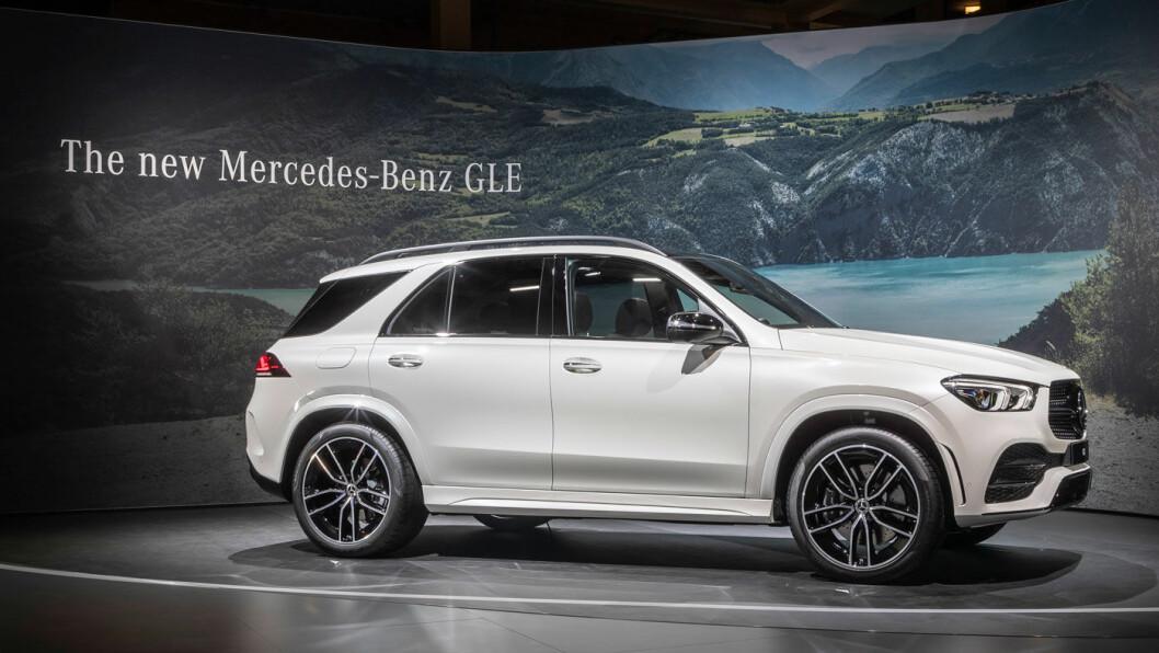 STJERNE I MARGEN: Nye Mercedes GLE skal klare opptil 10 mil med ren eldrift. Det betyr at den store SUV'en omsider faktisk kan klare en grei hverdag på ren strøm.