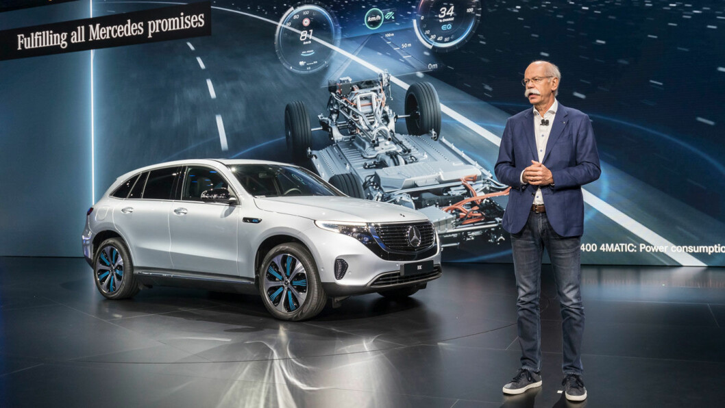 MINDRE PLUSS: Oppvasken etter tyske bilprodusenters dieseljuks koster 8,7 milliarder kroner bare i tredje kvartal for Daimler og Mercedes-sjefen Dieter Zetsche.