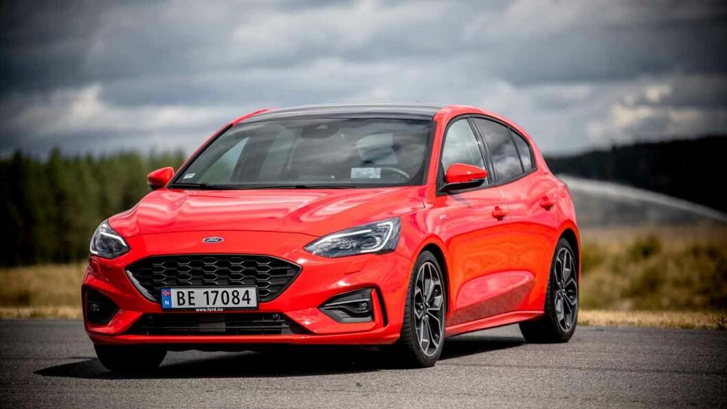 KJØREGLAD: Nye Ford Focus har stolte tradisjoner rundt kjøreegenskaper, og skuffer ikke med den siste utgaven. Foto: Tomm W. Christiansen